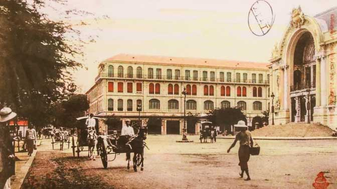 Năm 1859, sau khi chiếm Sài Gòn, người Pháp bắt đầu quy hoạch thành phố, xây dựng nhiều công trình kiến trúc, dinh thự
