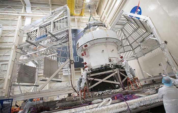 Trong khi đó, NASA và các đối tác cũng đã hoàn thành việc lắp đặt tàu vũ trụ Orion cho nhiệm vụ đầu tiên trong chương trình Artemis