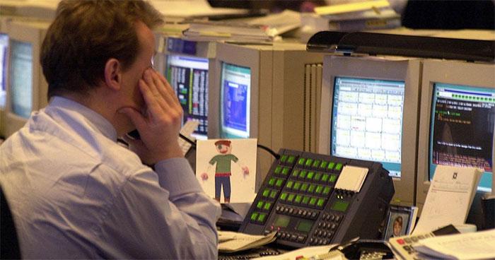 Thế giới chạy đua với thời gian để nâng cấp hệ thống, lập trình lại phần mềm trước thời khắc bước sang năm 2000.