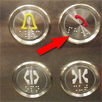 Cách đi thang máy an toàn và lịch sự mùa dịch bệnh