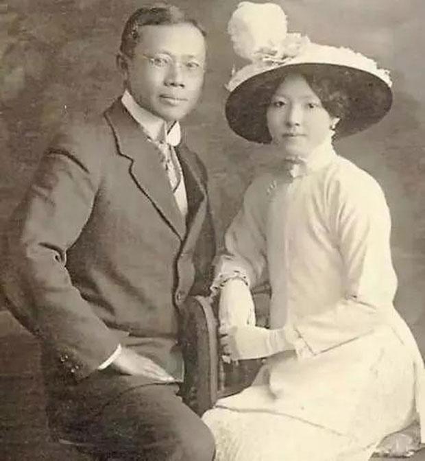 Bác sĩ Wu Liande và vợ Li Shuzhen.