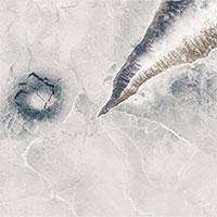 Bí ẩn những vòng băng trong hồ sâu nhất thế giới