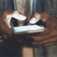 Texting thumb, căn bệnh do dùng smartphone quá nhiều là gì?