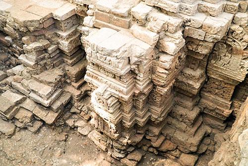 Dấu tích đền tháp cổ được phát hiện ở Tây Ninh.