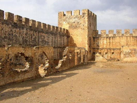 Lâu đài Frangokastello