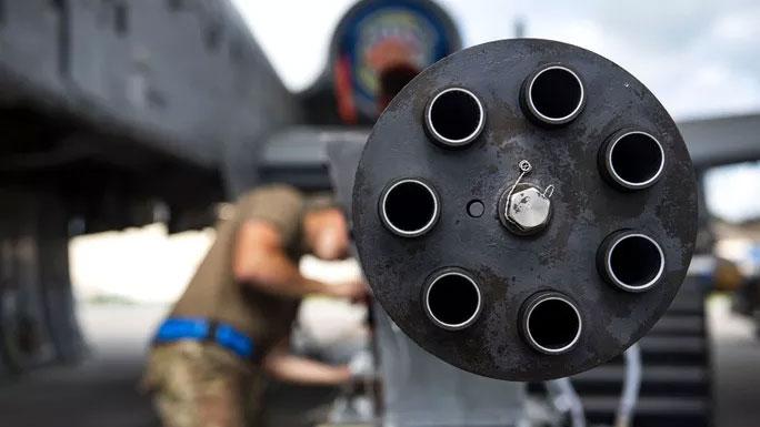Loại súng này sẽ bay lảng vảng tại khu vực cụ thể khi giao chiến với mục tiêu của kẻ thù.