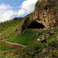 Bí ẩn mộ cổ hoa 70.000 năm chôn cất một loài người khác