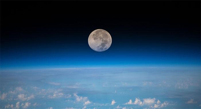 Mặt Trăng chụp từ Trạm Không gian Quốc tế (ISS).