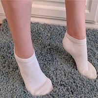 Vì sao trẻ thường đi bằng mũi chân?