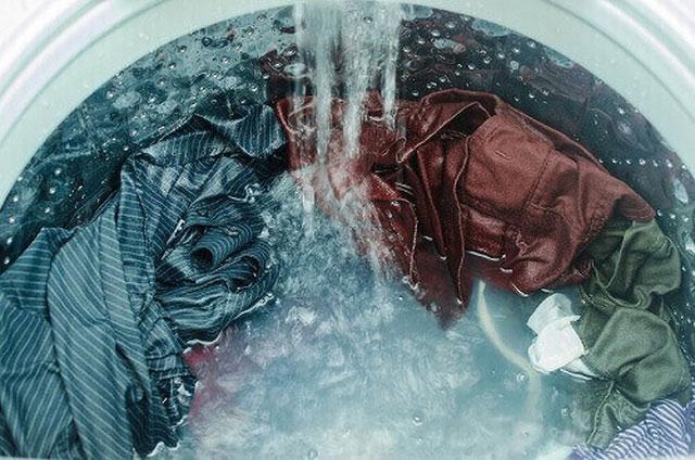 Áp lực nước chậm cũng là một trong những nhân tố khiến máy giặt bị rung lắc