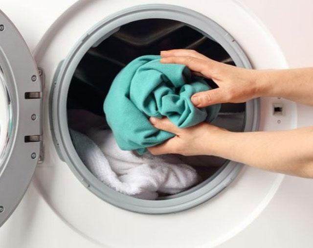 Người dùng chỉ nên giặt khoảng 2/3 khối lượng định mức để đảm bảo máy giặt hiệu quả, bền lâu.