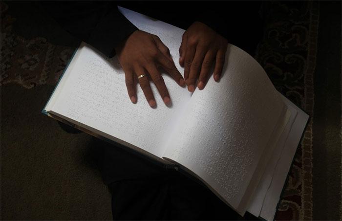 Chữ nổi dành cho người mù là sáng tạo của chính một người mù, ông Louis Braille