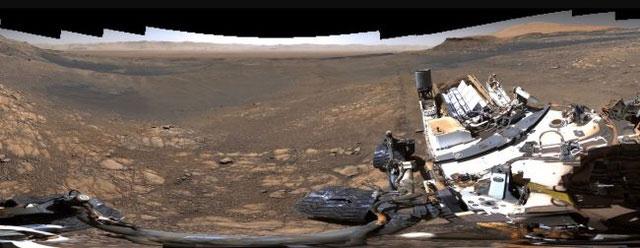 Bức ảnh thứ hai có 650 triệu điểm ảnh, chụp rõ hơn phần thân của chiếc xe tự hành.