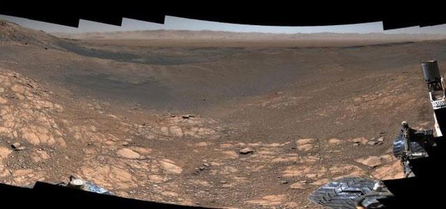 Một phẩn của bức ảnh toàn cảnh 1,8 tỷ điểm ảnh mà xe tự hành Curiosity của NASA đã chụp