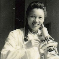 Vi Kim Ngọc: Người phụ nữ tài hoa đam mê vẽ muỗi