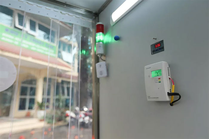 Việc sử dụng nhiệt độ cao kết hợp với ozon ở mức độ cho phép có thể giúp diệt khuẩn