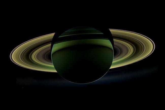 Mặt Trăng Hyperion - vệ tinh tự nhiên của sao Thổ
