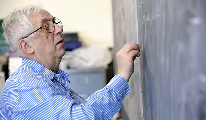 Nhà toán học Gregory A. Margulis.