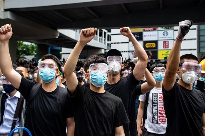 Trong các cuộc biểu tình ở Hồng Kông, khẩu trang được đeo như một tuyên bố chính trị.