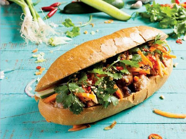 Bánh mì Việt mang đến rất nhiều sự lựa chọn cho người ăn nhưng luôn có một tổng thể cực kỳ hài hoà.