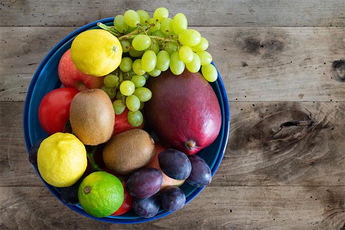 Trái cây, đậu, hạt và một số thực phẩm lành tính khác giúp cải thiện chất lượng giấc ngủ