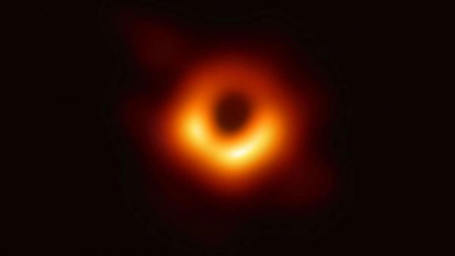 Hình ảnh đầu tiên về lỗ đen.