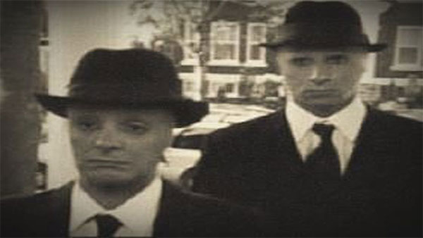 Những người mặc áo đen từng bị nghi ngờ là nhân viên CIA.