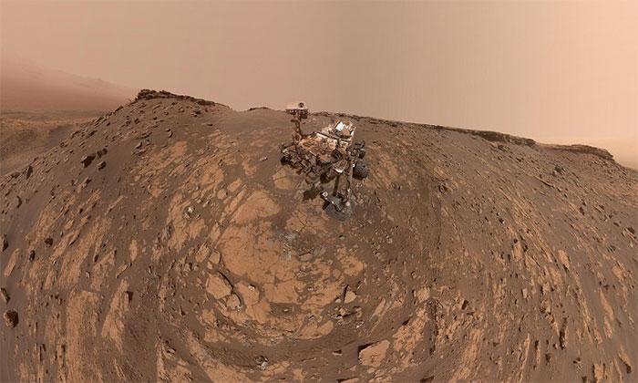 Bức ảnh selfie của robot Curiosity.
