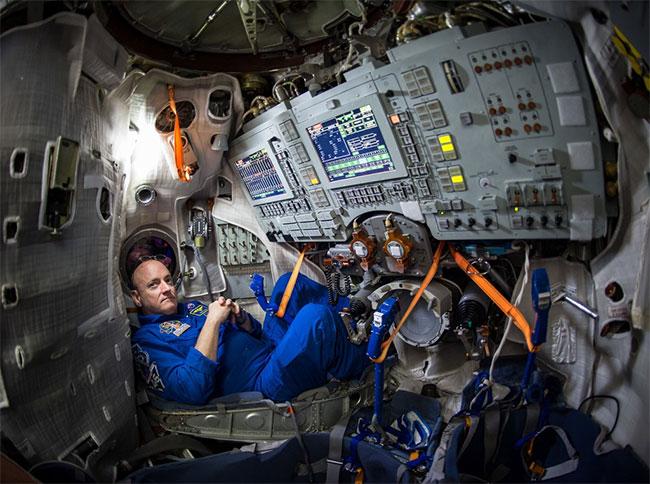 Phi hành gia Scott Kelly từng làm việc gần một năm trên Trạm Vũ trụ Quốc tế.