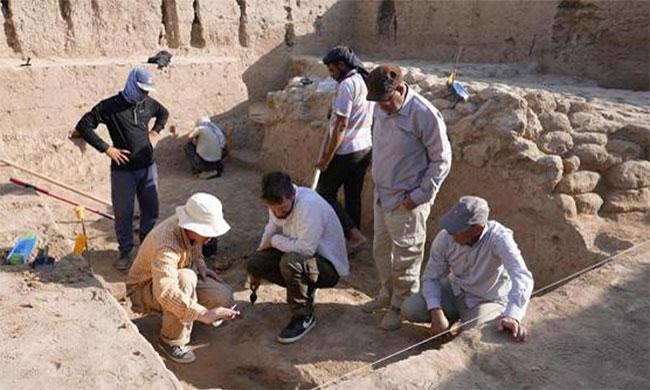 Nhóm chuyên gia tiến hành khai quật đền thờ cổ ở Girsu.