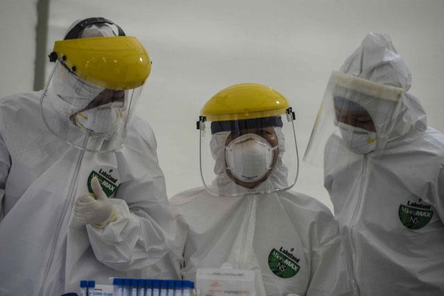 Hiện CDC đã nhận 5.000 bộ test xét nghiệm cho số người tương ứng.