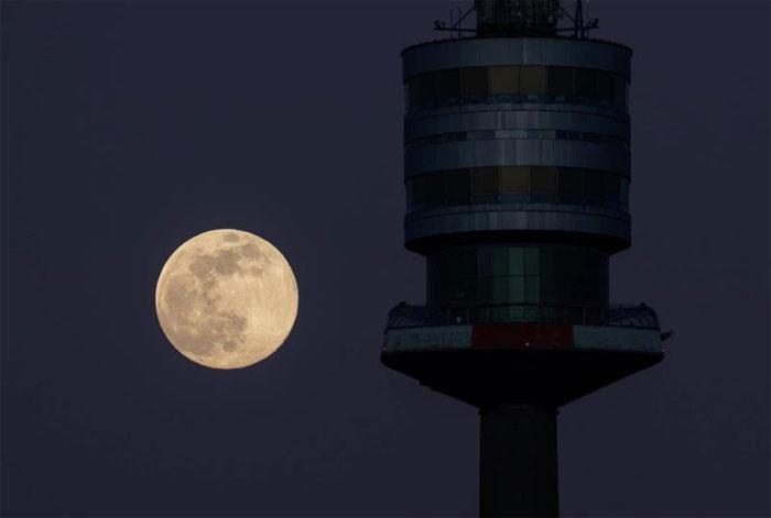 Đây là lần thứ 3 siêu trăng xuất hiện trong năm.
