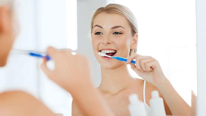 Đánh răng trước khi ăn sáng hay sau khi ăn sáng thì tốt cho răng miệng? -  KhoaHoc.tv