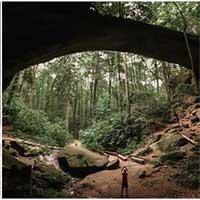 Cầu đá 200 triệu năm tuổi hình thành từ thời khủng long