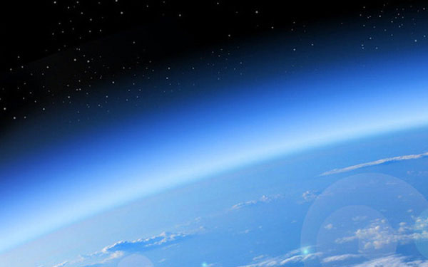 Tầng ozone là lớp chắn bức xạ Mặt trời tự nhiên của Trái đất.