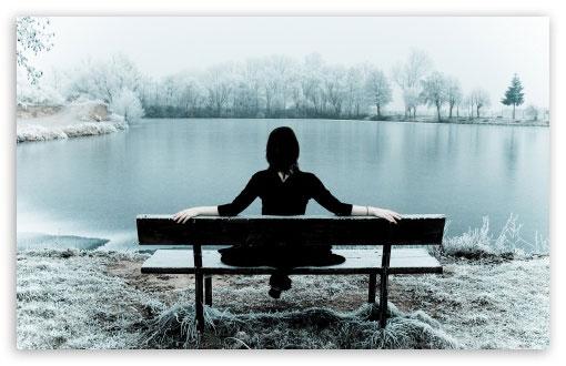 Tại sao khi cô gái này rời đi, bạn vẫn không thể nào ngồi vào chỗ cô ấy được?