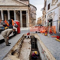 Hố tử thần xuất hiện trước đền Pantheon