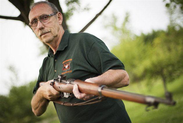 Sau khi Chiến tranh Thế giới thứ nhất, quân đội Canada đã chính thức loại khẩu súng này