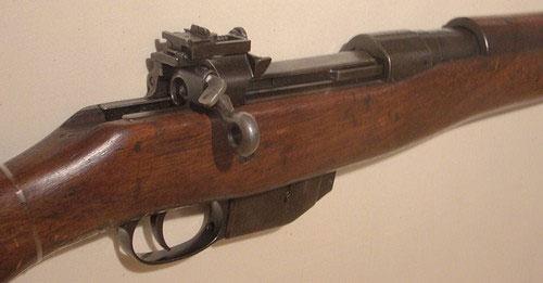Tuy nhiên Ross vẫn được sử dụng trong biên chế quân đội Canada cho tới hết chiến tranh.