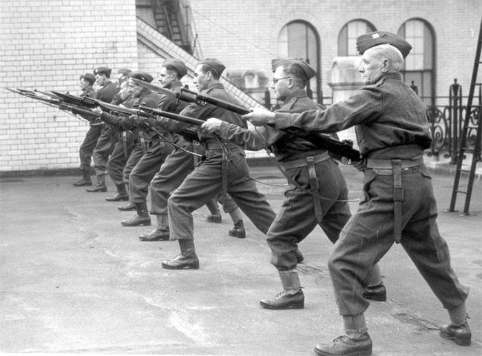 Về cơ bản, Ross là một khẩu súng trường có sức chiến đấu tương đương với mọi loại súng trường thời bấy giờ.