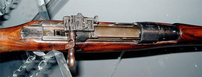 Ra đời đầu thế kỷ 20 và được nhận vào biên chế chính thức của quân đội Canada từ năm 1905.