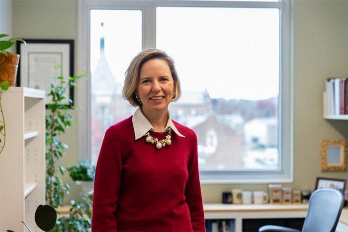 Chuyên gia Anita Woolley đang nỗ lực để đưa AI vào các tập thể cùng xử lý công việc chung.