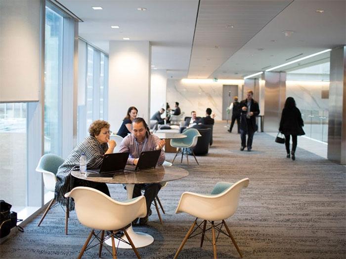 Văn phòng của tương lai là nơi con người và trí tuệ nhân tạo cùng làm việc để đạt kết quả cao nhất.
