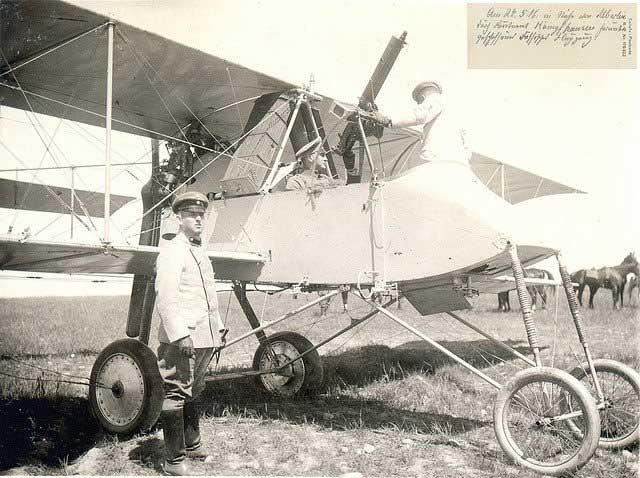 Máy bay Voisin III của Pháp.