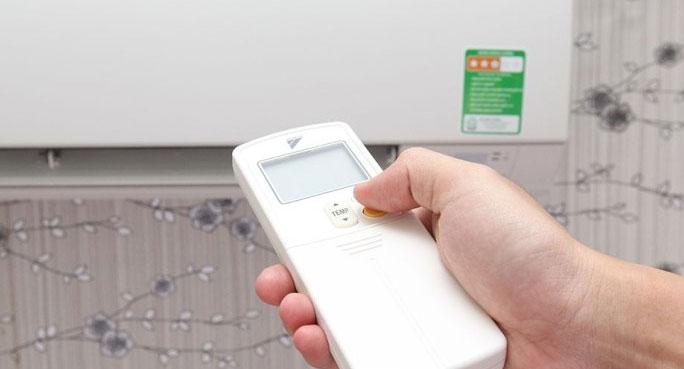Không nên điều chỉnh nhiệt độ quá chếnh lệch so với nhiệt độ môi trường.