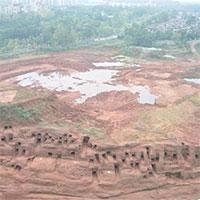 Phát hiện kỳ bí về 219 ngôi mộ trên vách núi