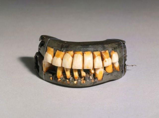 Răng giả được làm từ răng của người chết