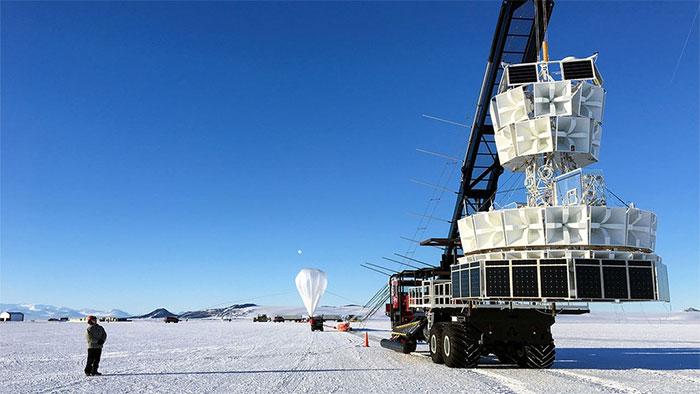 Thiết bị thực hiện thí nghiệm ANITA tại Nam Cực.