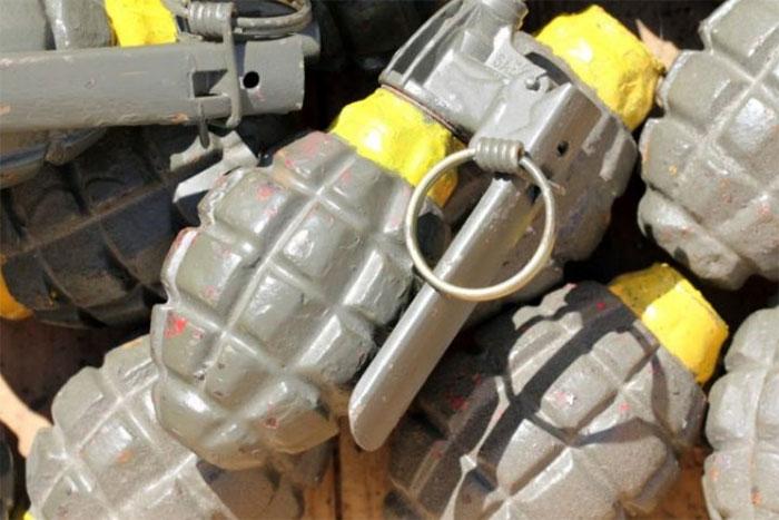Từ hàng trăm năm qua, lựu đạn cầm tay đã được sử dụng rộng rãi trên chiến trường.