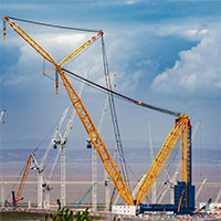 Chiếc cần cẩu lớn nhất thế giới, có khả năng nâng 5.000 tấn hàng hóa mỗi lần